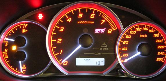 Nice instrument panel, though 6,700rpm redline surprisingly low