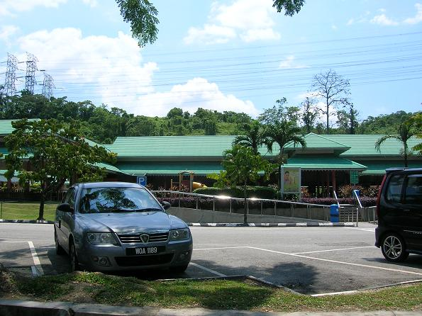 Lunch stop at Rawang rest stop. Pastry here not recommended.